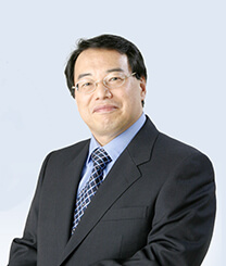 静霞 薫 氏